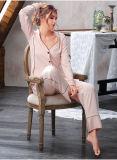 Новый дизайн 2017женских Sexy шелковые пижамы футболки и брюки Си10302336