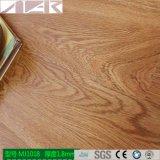 Selbstklebender Belüftung-Vinylplanke-Bodenbelag mit 100% dem Rohstoff