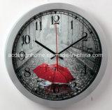 赤い傘のパリエッフェル塔の雨の日の優雅で装飾的な銀色のプラスチック柱時計