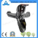 Appuyez sur le robinet du bassin de la plomberie en laiton avec prix d'usine (YD-E012)