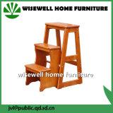 居間の折る木製の台所ステップ腰掛け