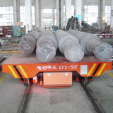 Bobine en aluminium d'usine traitant le chariot pour le divers matériau sur des longerons