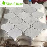 Weiße Marmorlaterne-Form-Mosaik Backsplash Polierfliesen