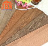 De verglaasde Ceramische heet-Verkoopt Houten Tegel van de Vloer (J15627D)