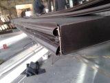 現代入口の錬鉄のドア
