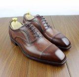 Os homens de couro de Italy fizeram sapatas de costura reais de Derby