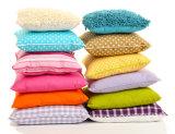 枕またはソファーのクッションの重量の設定の充填機