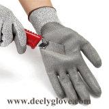 Отрежьте покрытие ладони PU уровня 5 черное на перчатках безопасности вкладыша Hppe серых