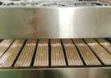 Торговая марка Litai полностью автоматическая машина для термоформования три станции пластика