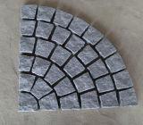 Pietra grigio-chiaro del cubo del granito di alta qualità 10X10/pietra ciottolo/del paracarro/pietra per lastricati