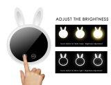 Luz encendida espejo del espejo que magnifica del maquillaje del conejo LED