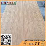 Una madera contrachapada de la teca del grado para la decoración