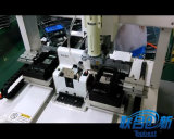 La automatización aprieta la máquina del tornillo con electricidad y destornillador neumático