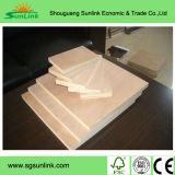 Utilisation de contre-plaqué de mélamine pour les meubles à haute teneur