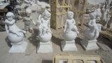 白い大理石の庭の彫刻か大理石像または大理石の彫刻または石の彫刻または石の彫像または天使の彫像か石造りに切り分けること