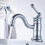 Le robinet du bassin de robinet monté sur le pont à levier unique