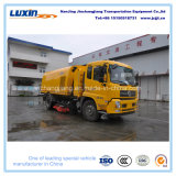 De Vrachtwagen van de Veger van Dongfeng 4X2 LHD met de Grote Vultrechter van het Huisvuil van de Capaciteit
