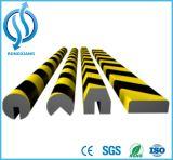 Protetor preto e amarelo da parede do plutônio