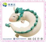 De leuke Witte u-Vorm van de Hals van het Hoofdkussen van het Stuk speelgoed van de Pluche van Doll van de Draak