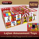 Het binnen Type van Speelplaats en Plastic Speelplaats (t1501-1)