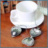 Cuillère à infuser le thé en forme de coeur en acier inoxydable de la crépine