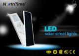 Capteur de mouvement infrarouge tout-en-un Rue lumière solaire avec Sunpower de bord