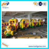 Treno elettrico della pista del parco di divertimenti attraente