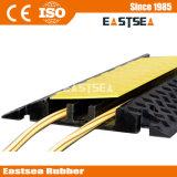 黒く及び黄色のゴム3チャネル修正可能なケーブルのこぶ