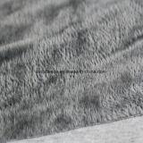 회색 색깔에 있는 최고 연약한 짧은 견면 벨벳