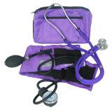 Blutdrucksphygmomanometer-Installationssatz mit Stethoskop