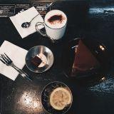 좋은 가격에 있는 맛을 낸 커피 크림통