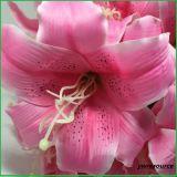 Fiori di falsificazione del giglio del fiore artificiale per la decorazione della casa di cerimonia nuziale