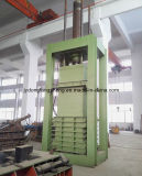Le bois jette la ramasseuse-presse avec une haute qualité de la machine