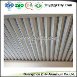 Techo decorativo de alta calidad en forma de V Strip placa del techo de chapa de aluminio