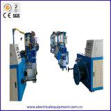 電気PVC Single-Screwワイヤーおよびケーブルの突き出る機械ライン