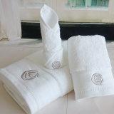 Embroideriedのロゴのホテル/ホーム100%年の綿表面/手タオル