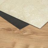Moquette/parte posteriore/colla asciutte di pietra delle mattonelle di pavimento del vinile del PVC del grano/PVC giù