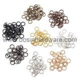 Metallsilberne geformte Riss-Ringe