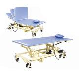 Equipo de rehabilitación camilla de masaje con el agujero