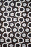 白黒多彩な刺繍パターンが付いている新しい方法ポリエステルレースファブリック