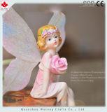 I Figurines leggiadramente della ragazza del bello fiore della resina si dirigono la decorazione della Tabella