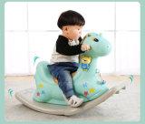 Plastikspielzeug-Schwingpferd der Kinder Reiten-auf Hobbyhorse Mitfahrer-neuem Reitspielzeug