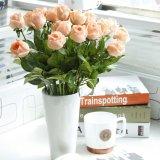 つぼの接触人工絹のローズの実質の花