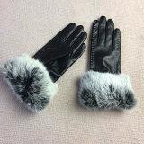 Четыре цвета зимней женщин с сенсорным экраном PU кожаные перчатки