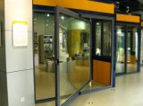 شاقوليّ مركزيّ محفر باب مع يليّن زجاج