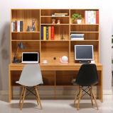 Ordinateur de bureau de couleur en bois avec armoire de livre