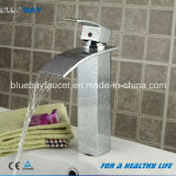 Robinet en laiton à levier unique de salle de bains de cascade à écriture ligne par ligne de Wenzhou Bluebay