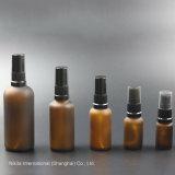 Bereifte bernsteinfarbige Glasöl-Flasche mit schwarzer Lotion-Pumpe, Tropfenzähler-Flasche (NBG22F)
