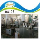 На заводе производства безалкогольных напитков может машина