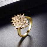 China paste de Gele Goud Geplateerde Verlovingsring van de Manier van het Kristal aan